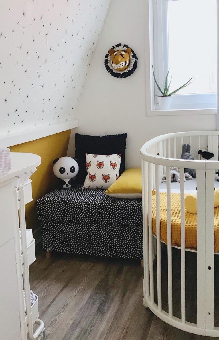Babykamer oker, zwart en wit - overzicht
