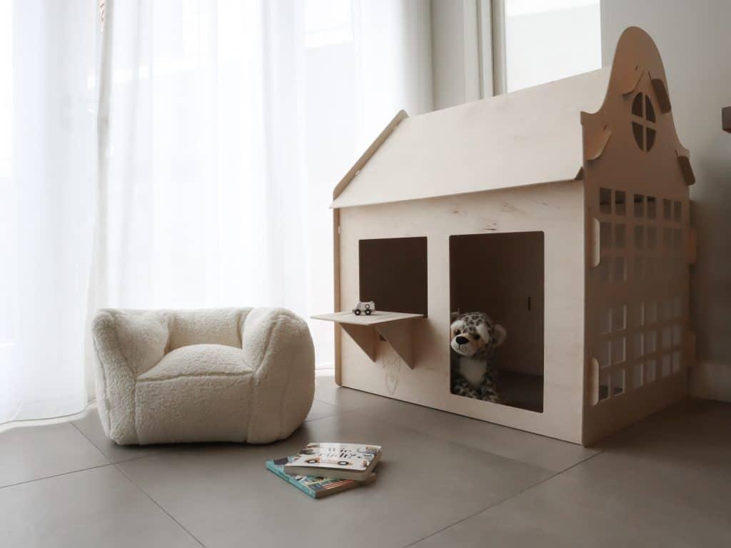 Stijlvolle speelhoek woonkamer - speelhuisje met zitzak